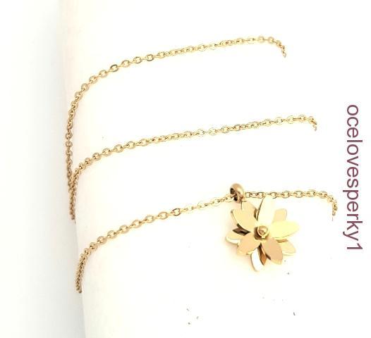 4ce4d9710 Retiazka Marta z chirurgickej ocele zlatá farba RD042 kvetinka